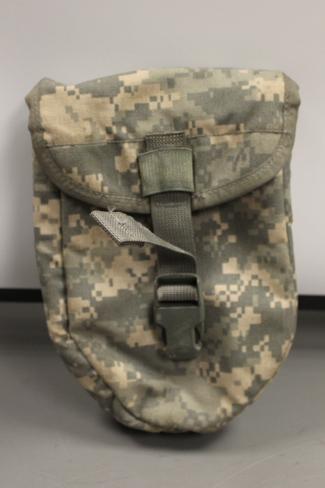 Molle II ACU ETool Entrenching Tool Carrier, 8465-01-524-8407