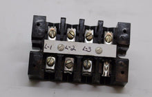 Load image into Gallery viewer, Buchanan Electrical Co. One Piece Terminal Block, B104