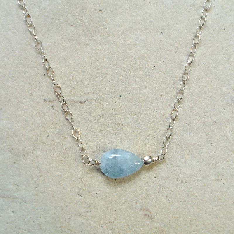 Essential Energy Gemstone Necklace: Aquamarine - Calming