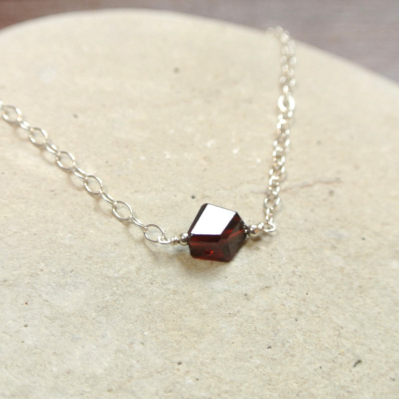 Essential Energy Gemstone Necklace: Garnet - Devotion