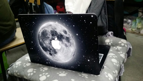 casecarnival moon macbook skin