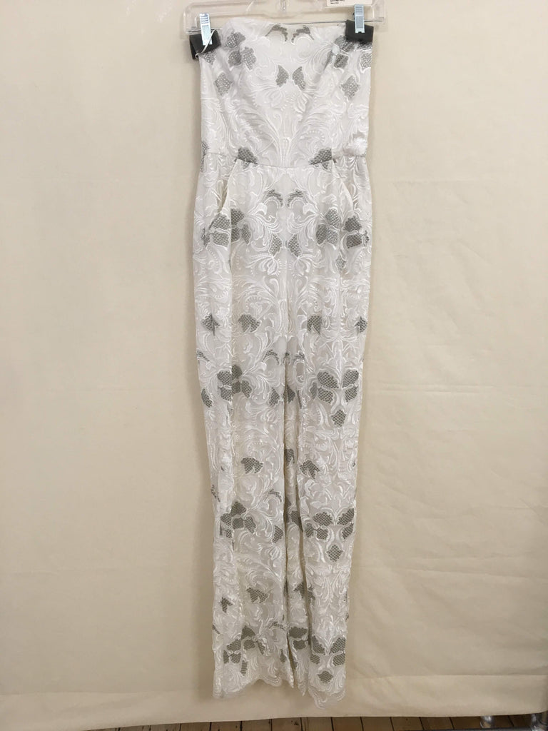 Sample Strapless Jumpsuit in White lace