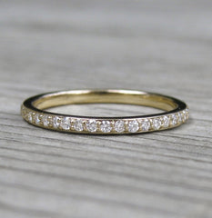 The Eleanor | Conflict-Free Diamond Wedding Band in Yellow Gold