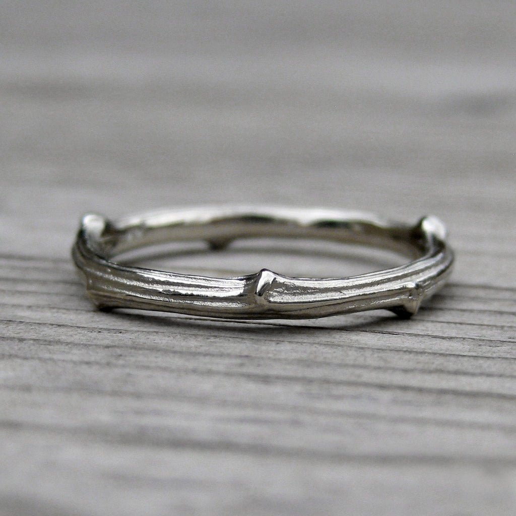 <center><strong>・WHITE GOLD TWIG BAND・</strong><br></center>