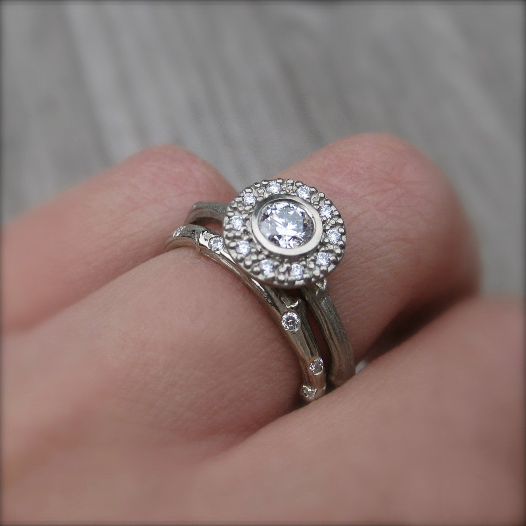 ring twig center side canadian engagement gh products vs diamond dia halo