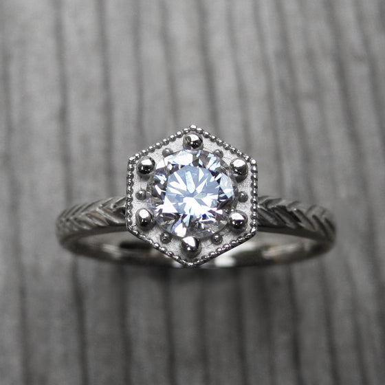<center><strong>・ASTER・</strong><br></center> Diamond Feather Ring (.50ct VVS1/G, Excellent Cut)