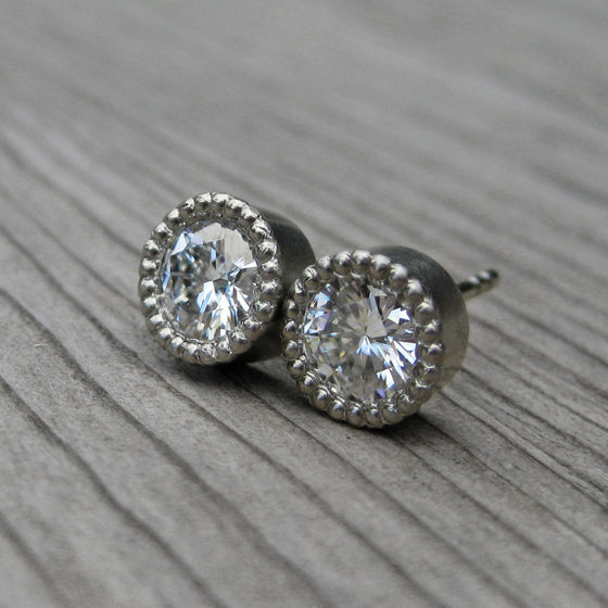 <center><strong>・STUD EARRINGS・</strong><br></center> Moissanite (1ct), 14k Gold
