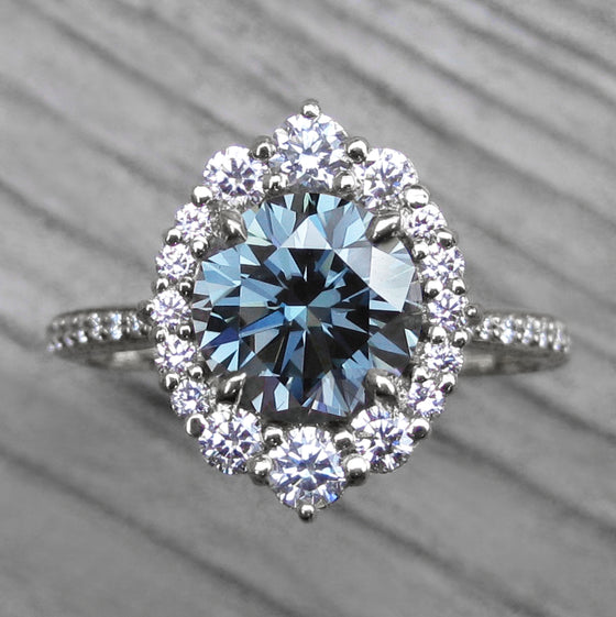 <center><strong>・EMERSON・</strong><br></center>Blue-Grey Iconic™ Moissanite, Diamond Halo & Band (2.05ct+)