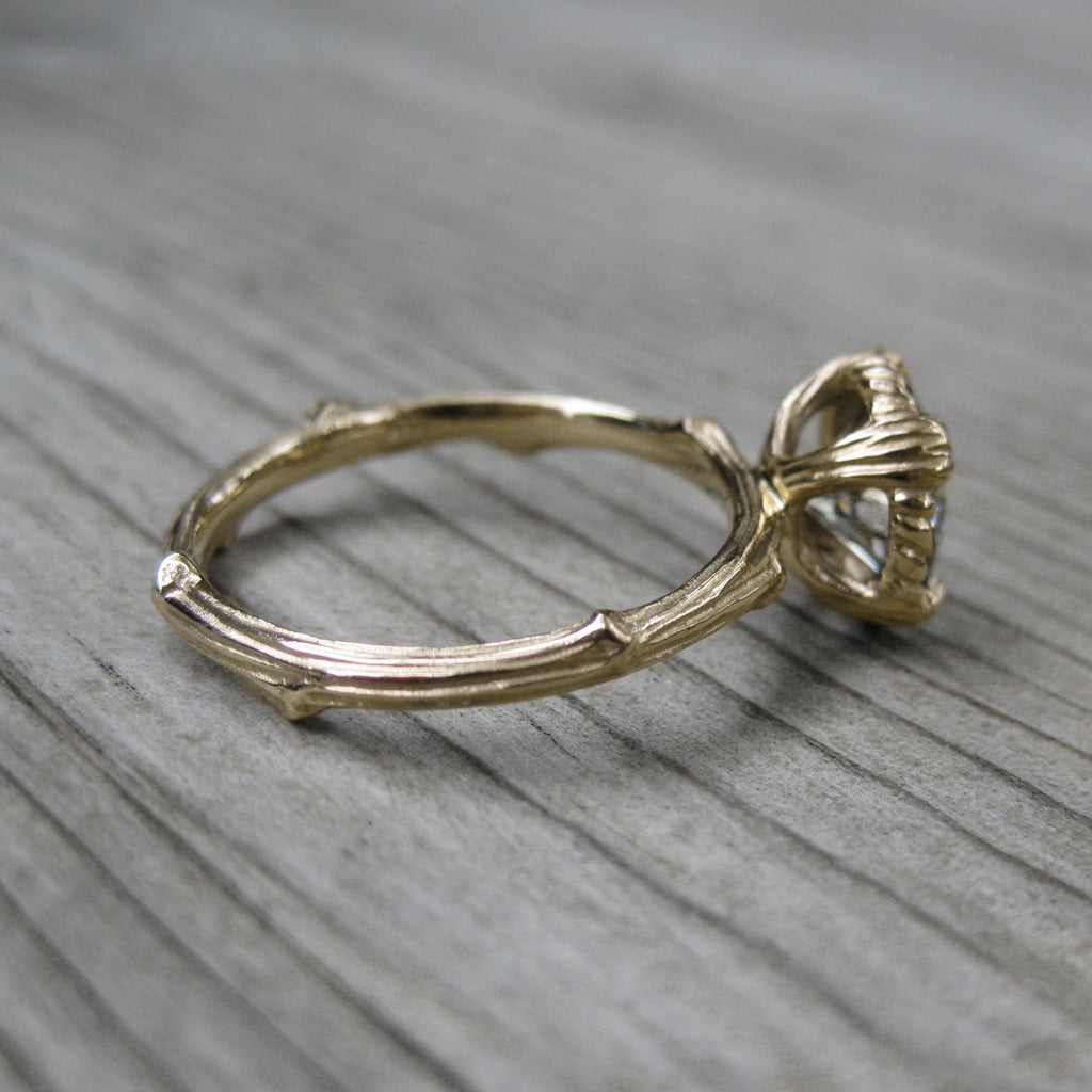 <center><strong>・VIOLET・</strong><br></center> Moissanite Twig Ring (1.5ct, Ready to Ship)