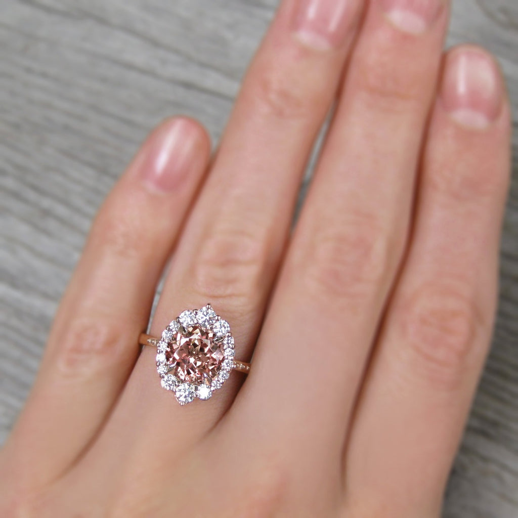 <center><strong>・EMERSON・</strong><br></center>Peach Sapphire Center, Diamond Halo (2.68ctw+)