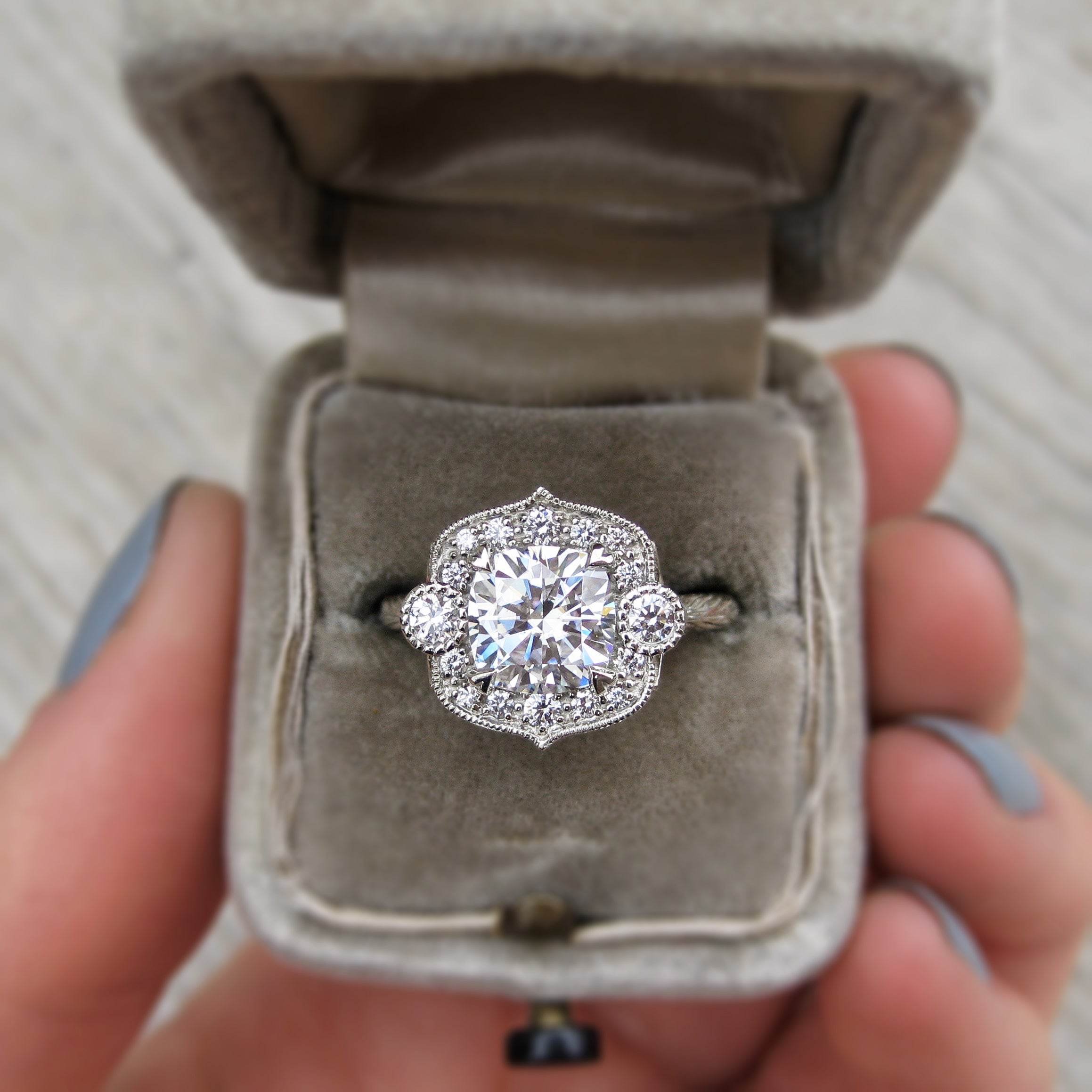 a available the platinum are jack diamonds white pin diamond now brilliant round f weighing ring g kelege total clarity at fg rose cut color gold containing carats engagement and of