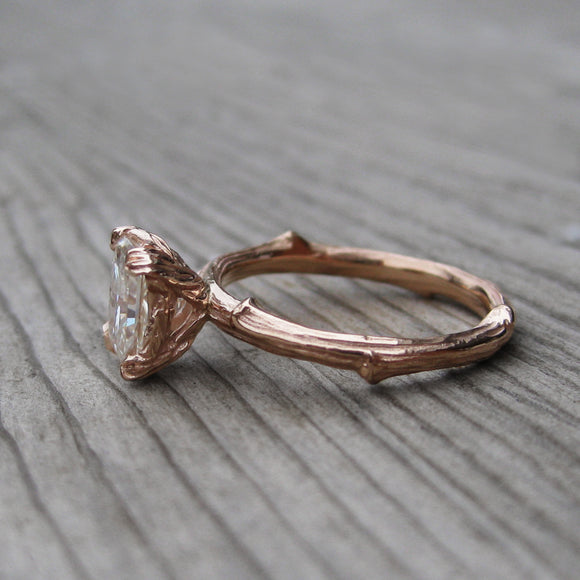 <center><strong>・FLORA・</strong><br></center>Radiant Forever One™ Moissanite Twig Ring (1.2ct, Ready to Ship)