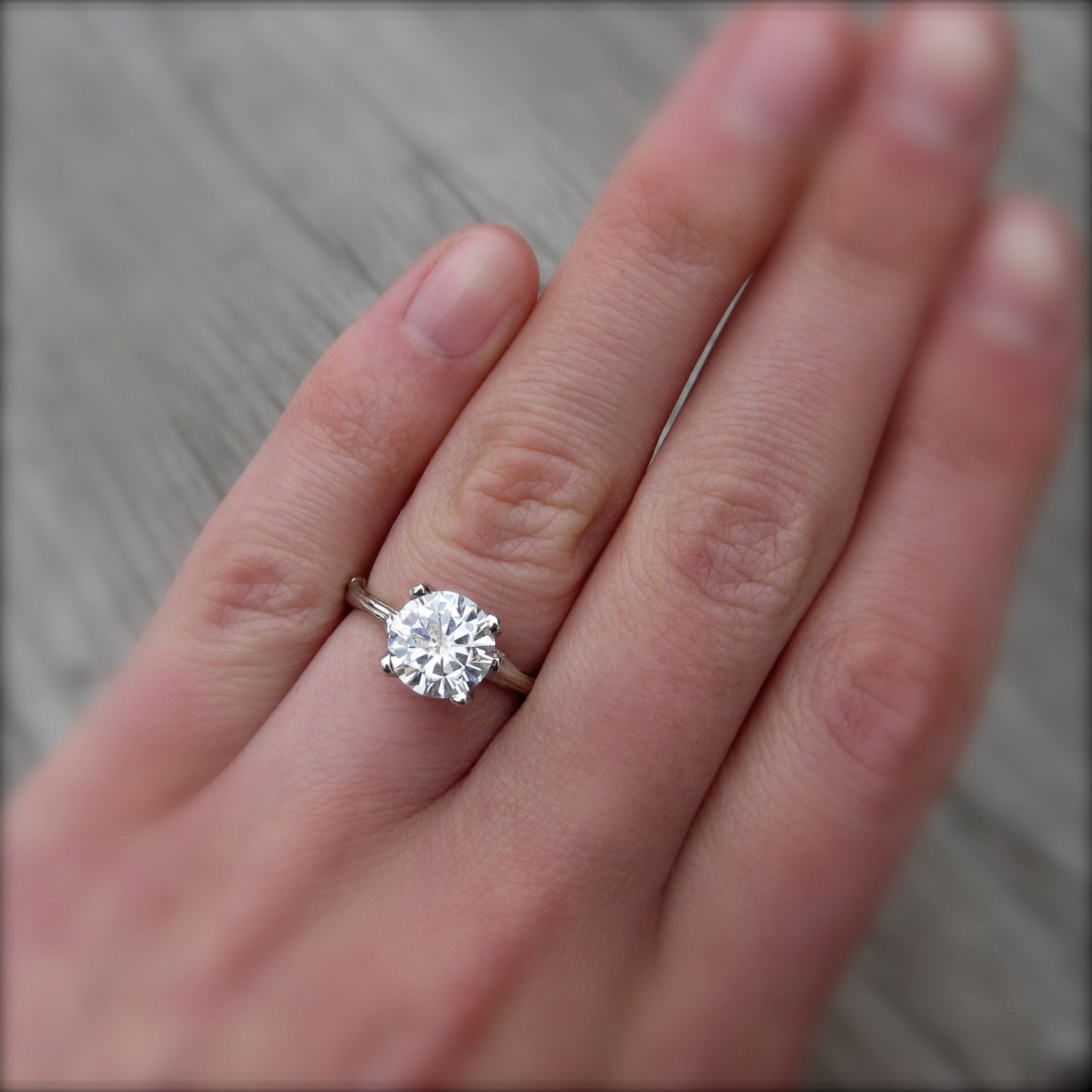 Round Forever One™ Or Supernova™ Moissanite Twig Engagement Ring (2ct)