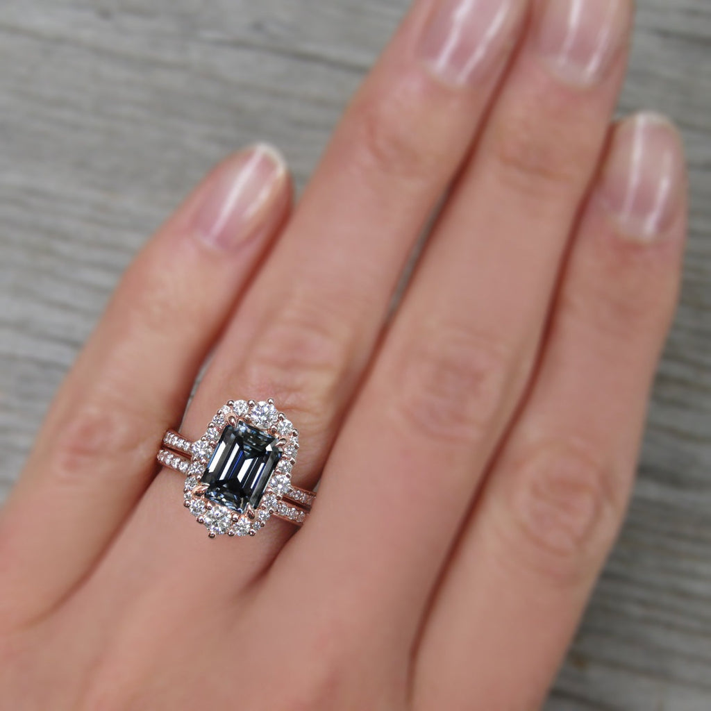 <center><strong>・ADELINE・</strong><br></center>Emerald Cut Iconic™ Grey Moissanite Center, Diamond Halo (2.16ctw+)