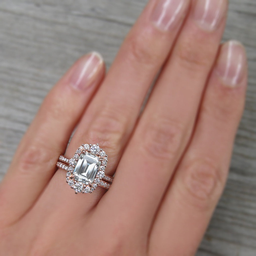 <center><strong>・ADELINE・</strong><br></center>Emerald Cut Moissanite Center, Diamond Halo (2.16ctw+)