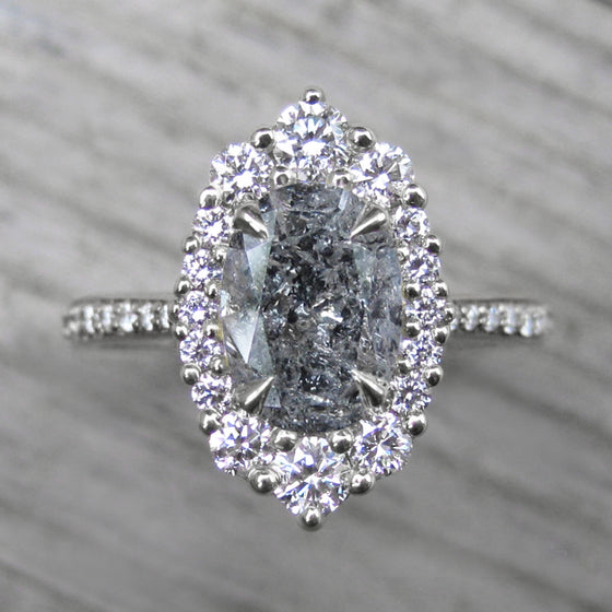 <center><strong>・SOFIA・</strong><br></center>Oval Salt + Pepper Diamond Center, Diamond Halo (1.92ctw+)