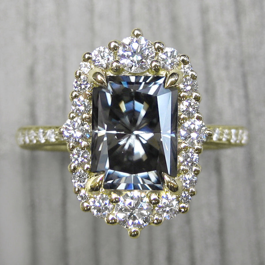 <center><strong>・ADELINE・</strong><br></center>Radiant Cut Iconic™ Grey Moissanite, Diamond Halo & Band (2.32ct+)