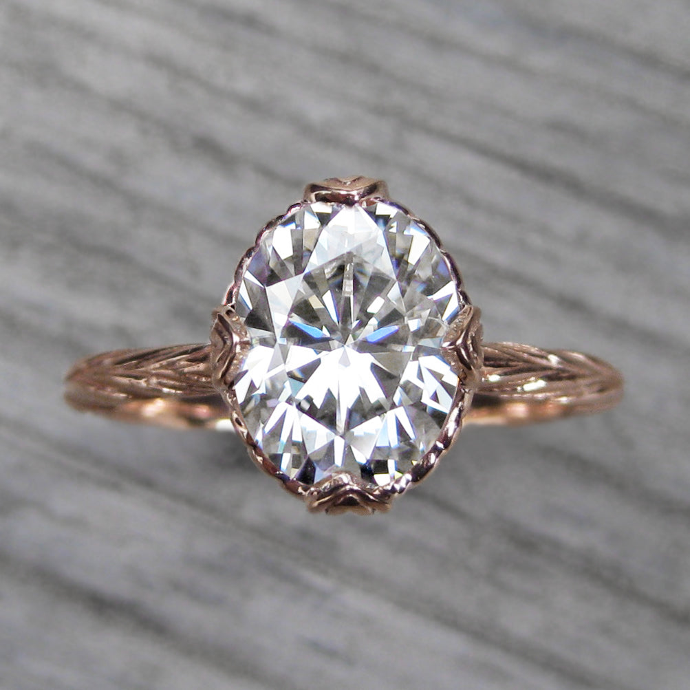<center><strong>・OLIVIA・</strong><br></center>Oval Moissanite, Willow Leaves (2.1ct, Ready to Ship)