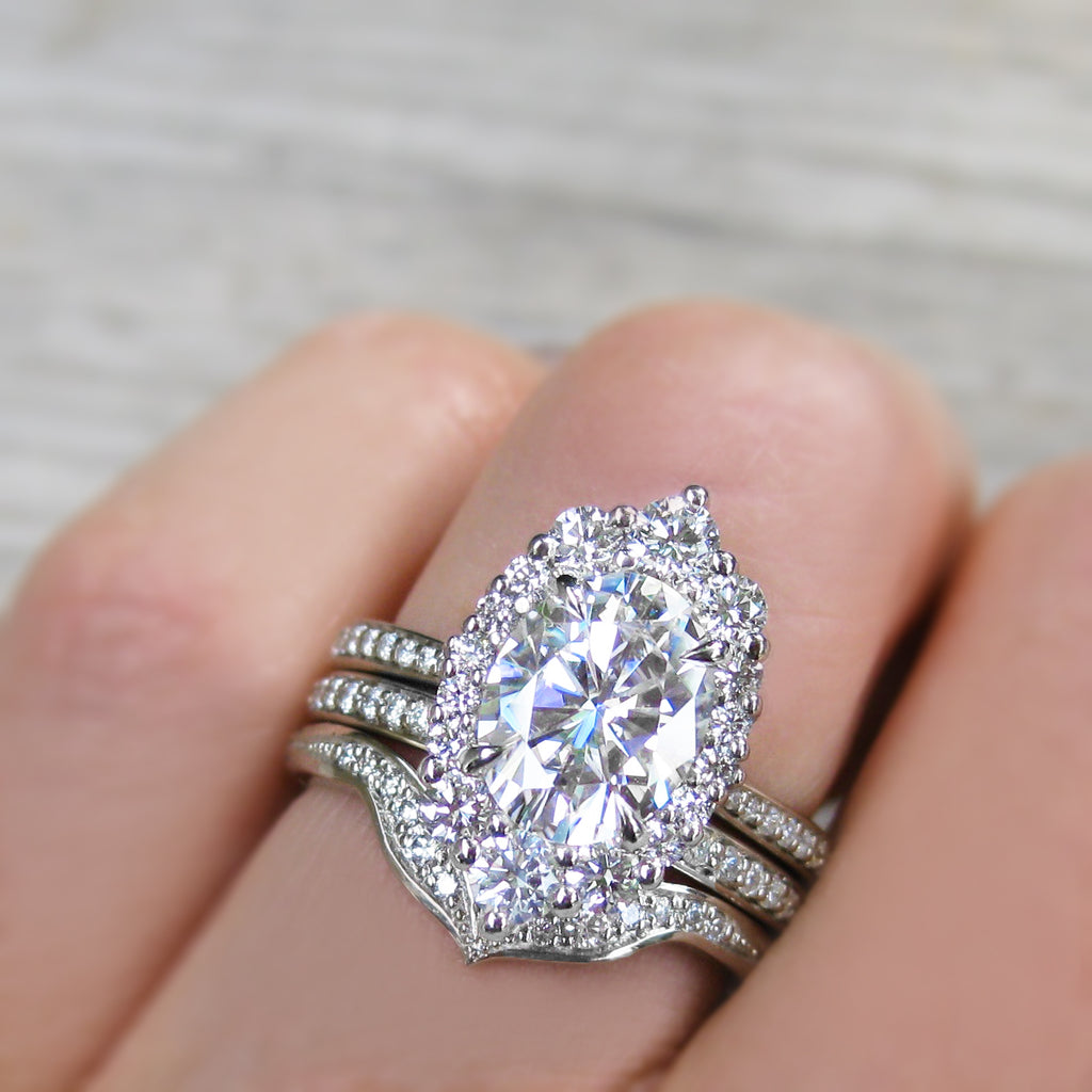 <center><strong>・SOFIA・</strong><br></center>Oval Moissanite Center, Diamond Halo (2.65ctw+)