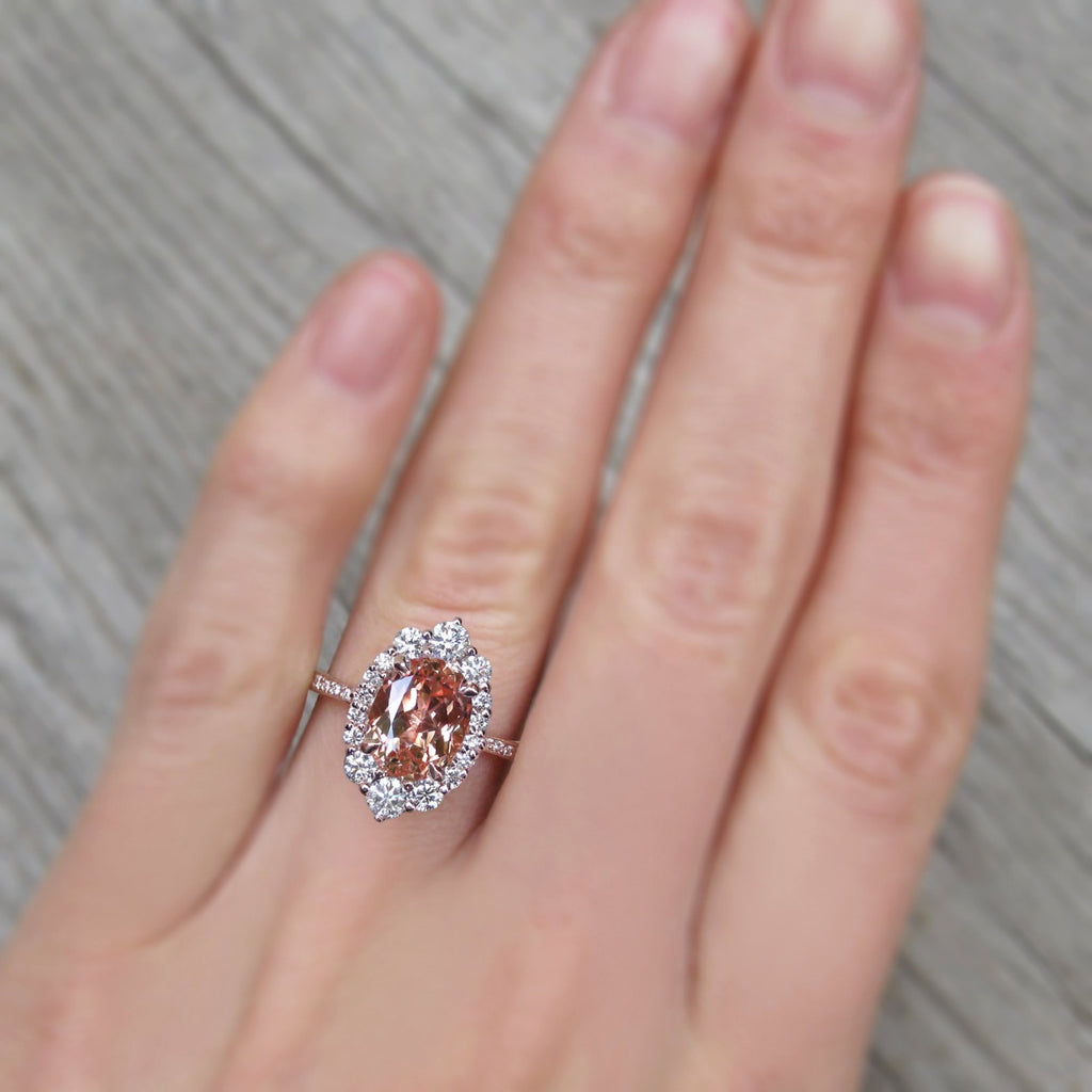 <center><strong>・SOFIA・</strong><br></center>Oval Peach Sapphire Center, Diamond Halo (3.27ctw+)
