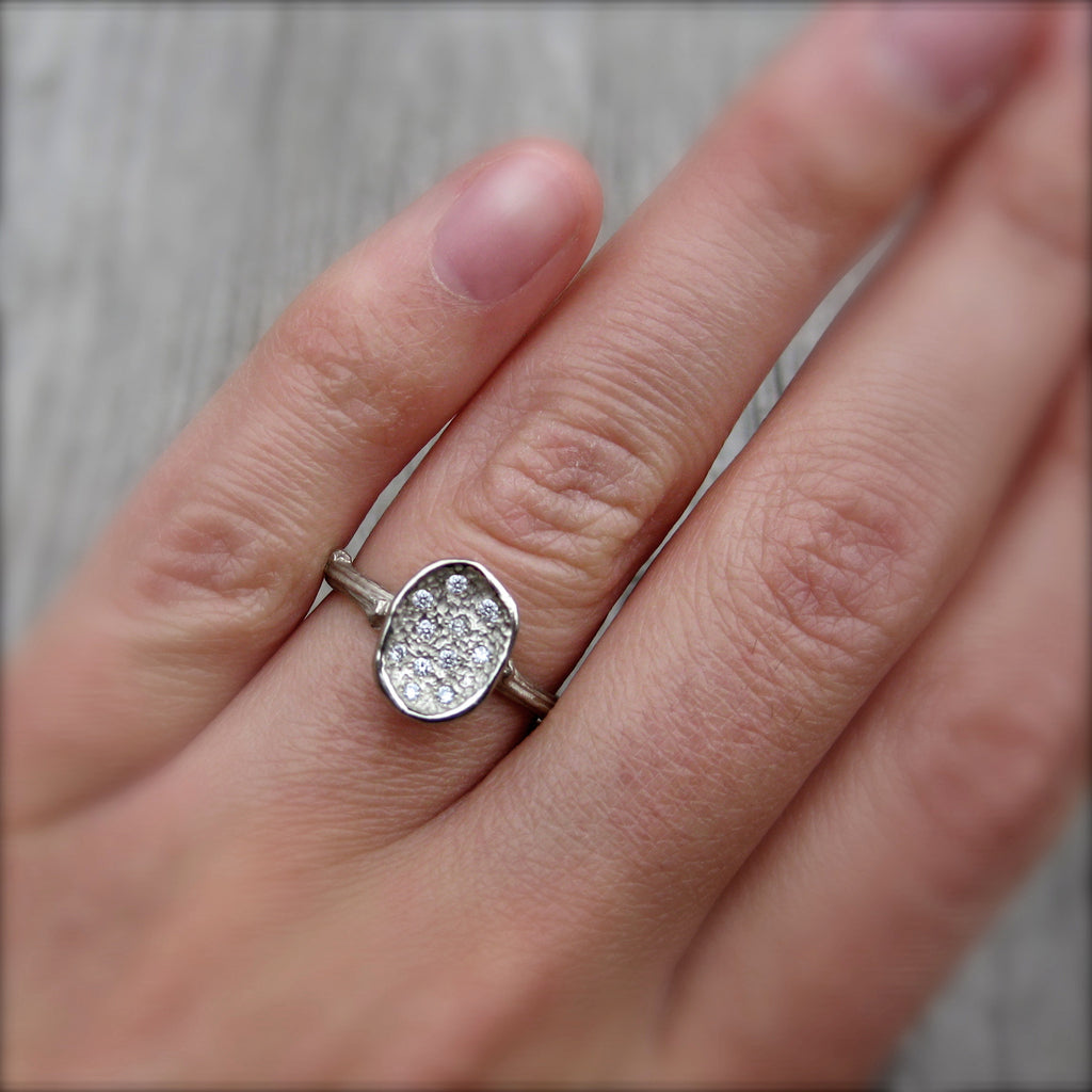 <center><strong>・PETAL RING・</strong><br></center> Eleven Diamonds, Twig Band (Ready to Ship, size 6.5)