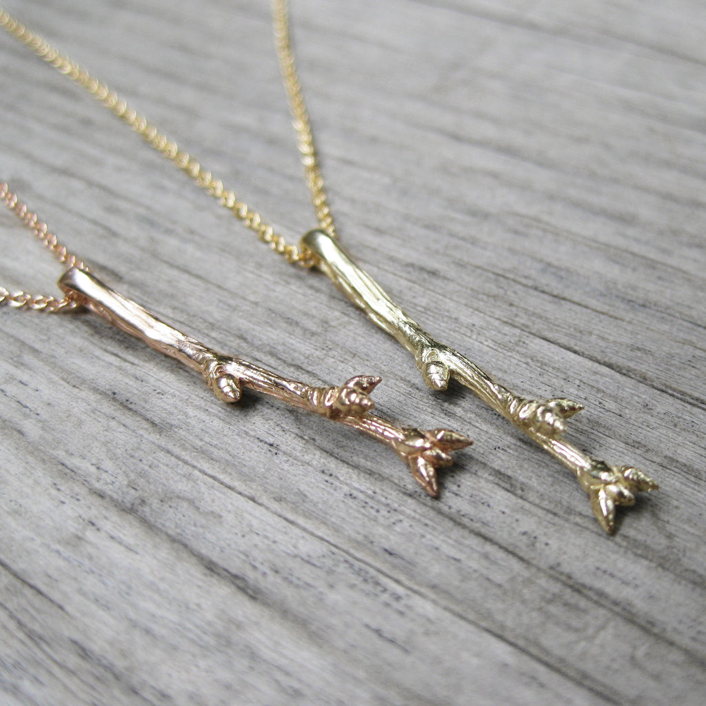 <center><strong>・PETITE TWIG NECKLACE・</strong><br></center> 14k Gold Twig, Gold-Filled Chain
