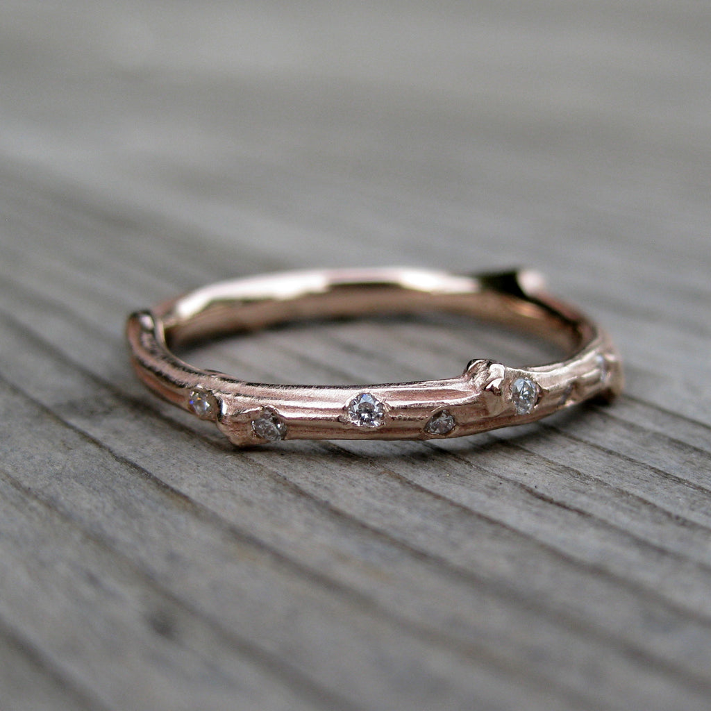Scattered Diamond Twig Wedding Band (Seven Diamonds)