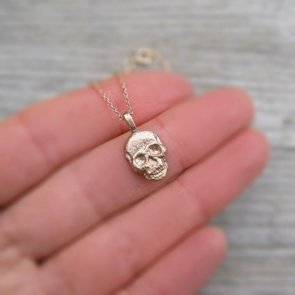<center><strong>・SKULL NECKLACE・</strong><br></center> Gold Pendant (Ready to Ship)