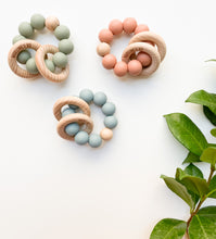 Load image into Gallery viewer, Teething ring (Vintage Pink)