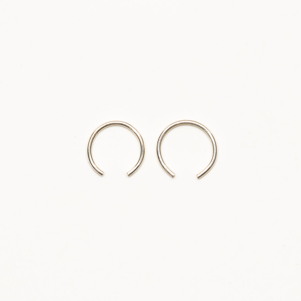 8.6.4 - Small Half Hoop Earrings - Norbu