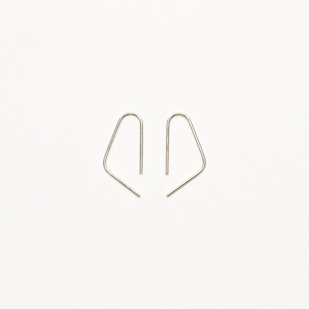 8.6.4 - Medium Open Triangle Earrings - Norbu