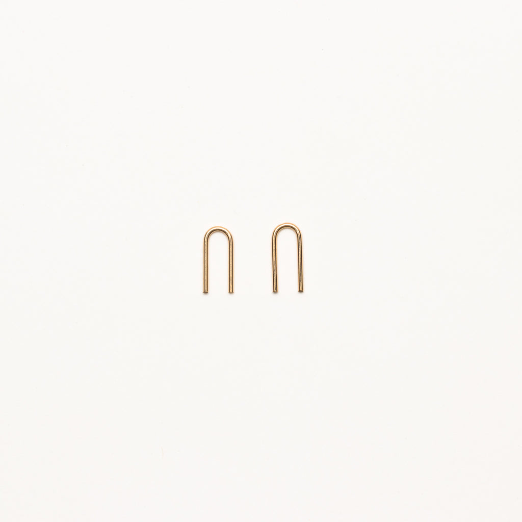 8.6.4 - Small U-Shaped Earrings - Norbu