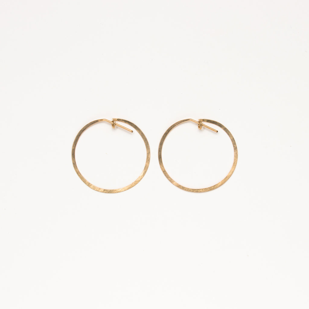 Jessica Decarlo - Medium Hammered Hoops in Goldfilled