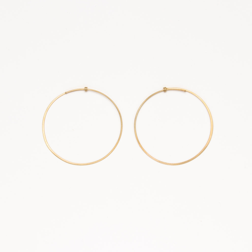 Carla Caruso - Medium Dainty Hoops