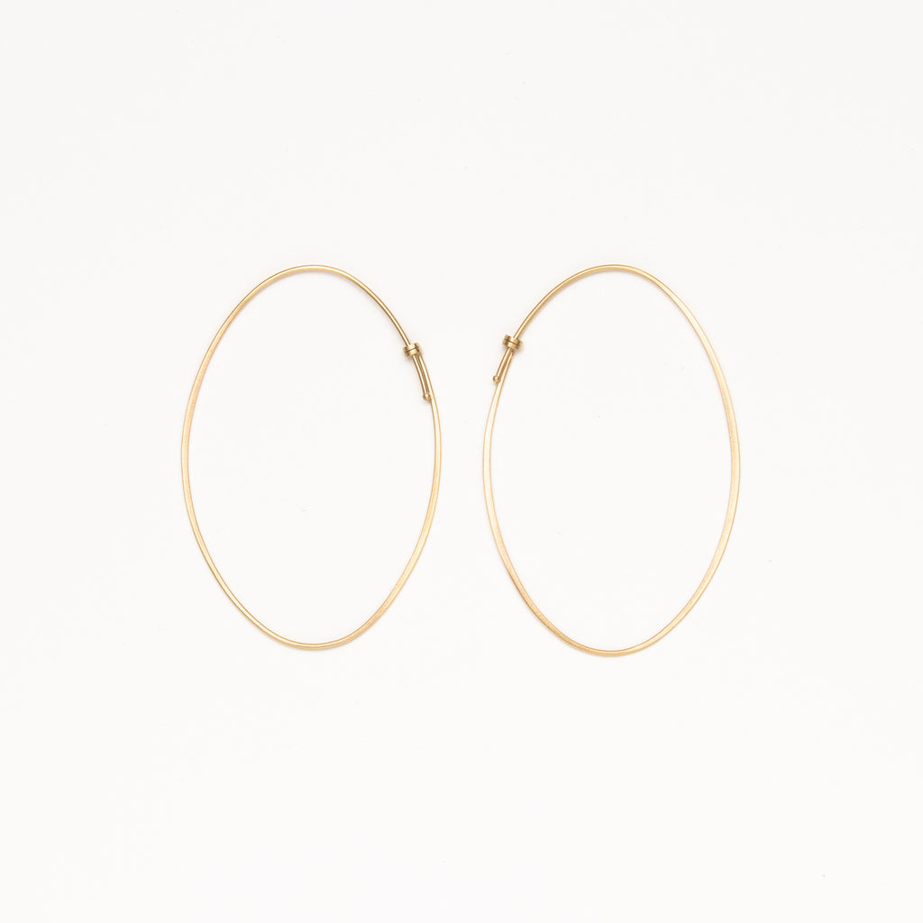 Carla Caruso - Large oval dainty hoops