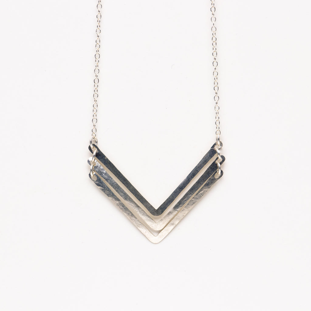 Jessica DeCarlo - Small triple chevron necklace in silver