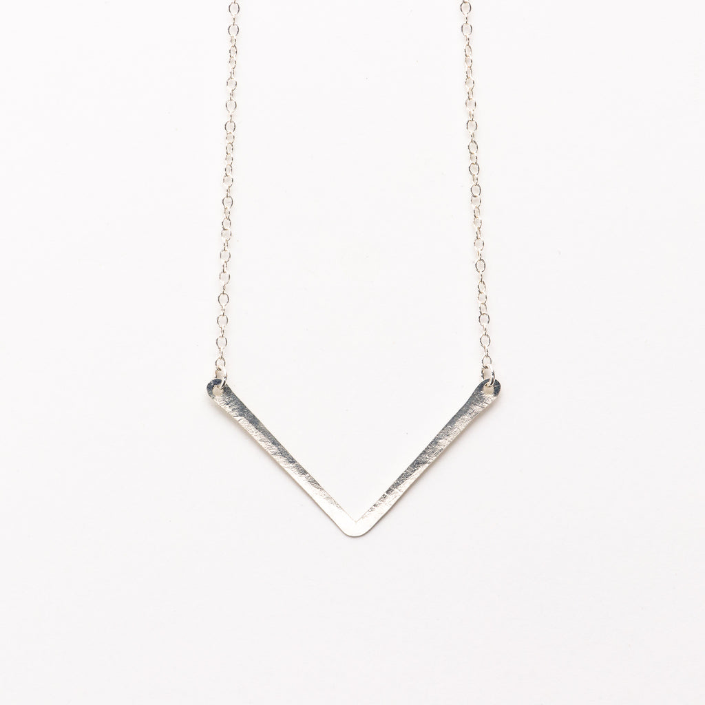 Jessica DeCarlo - Small chevron necklace in silver