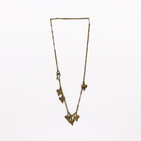 Alkemie Jewelry - Six shark tooth necklace