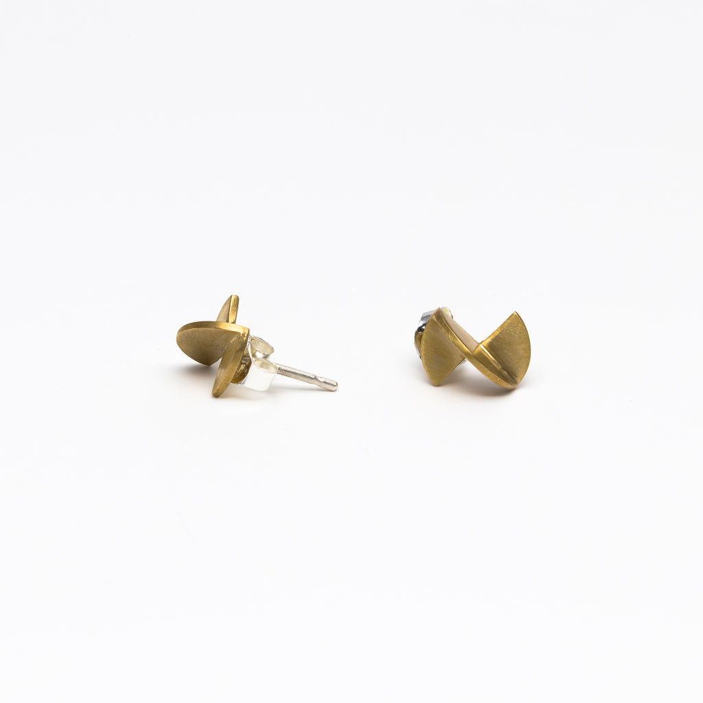 8.6.4 - Small camellia earrings