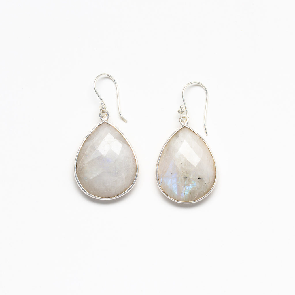 Lhamo - Teardrop earrings in silver