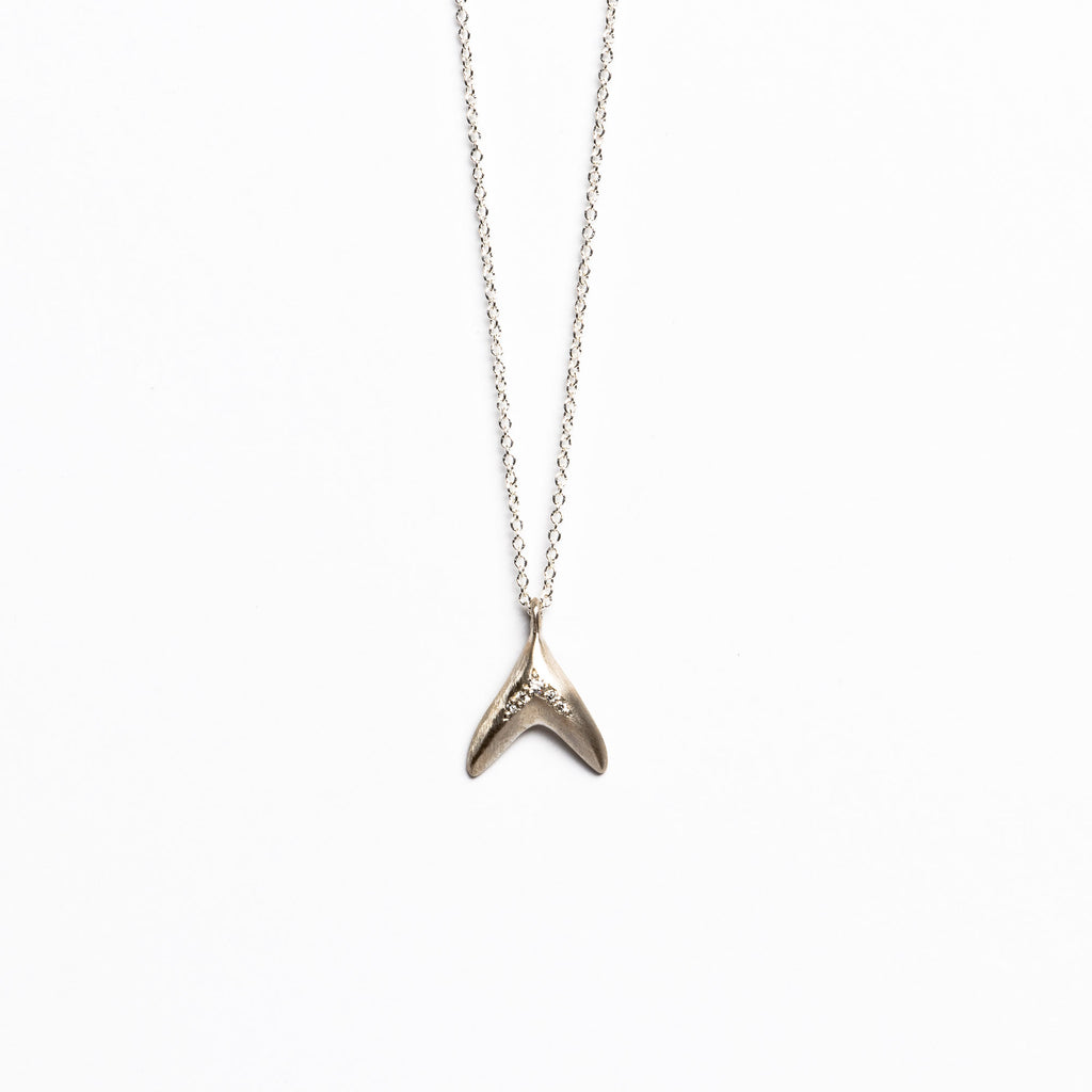 Branch Jewelry - Fin necklace in silver