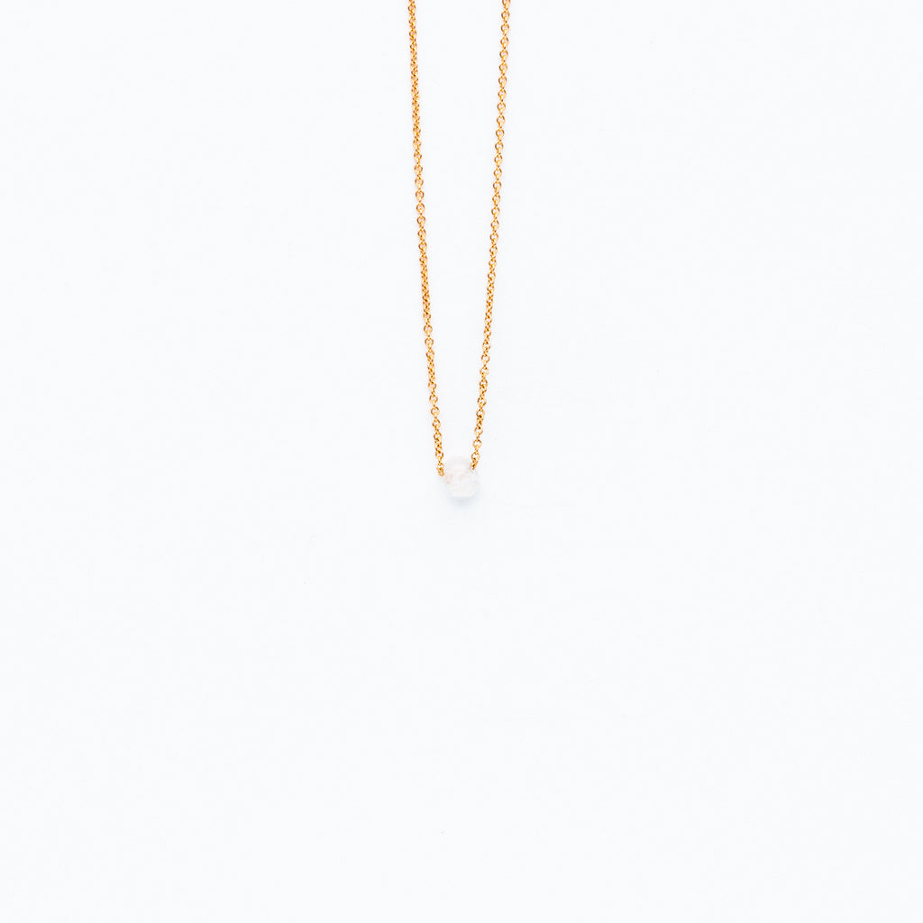 Carla Caruso  - Dainty necklace with moonstone