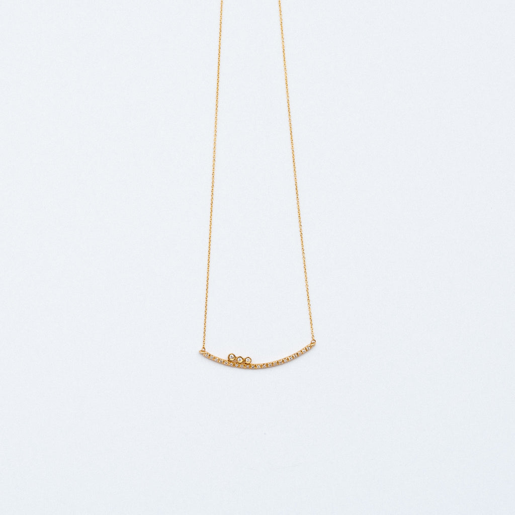 NFC - Curved Bar Necklace with Diamonds in Yellow Gold