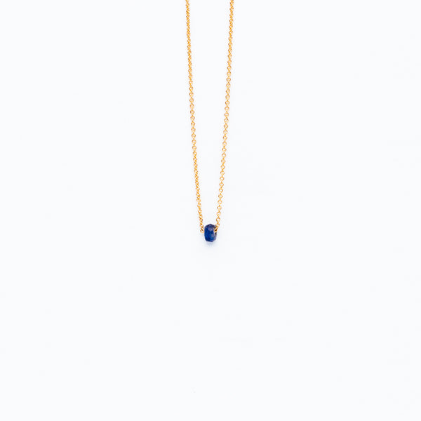 Carla Caruso - Dainty necklace with sapphire