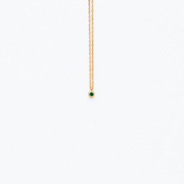 Carla Caruso - Sparkle dainty necklace with emerald