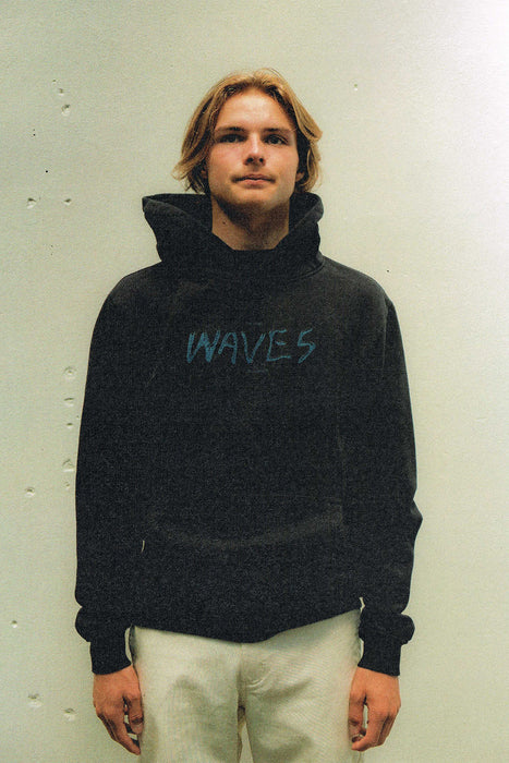 Waves Hood - Black