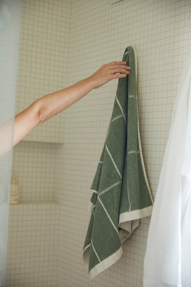 Bethell Bath Towel - Sage & Chalk