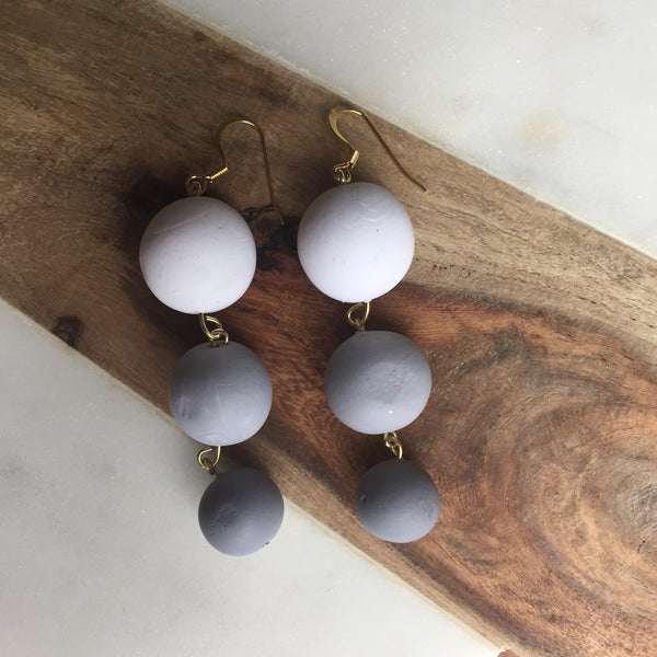 Gray ombré baubles