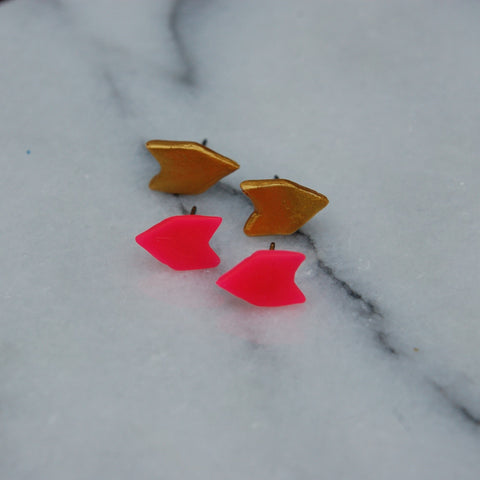 gold and neon pink stud arrow earrings