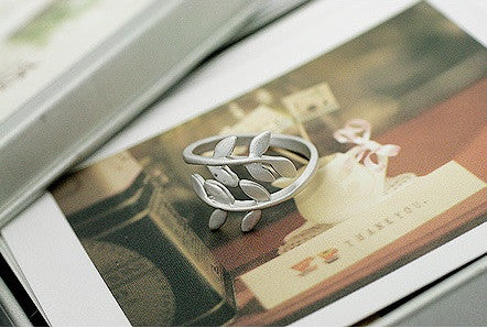 Silver Foliage Ring